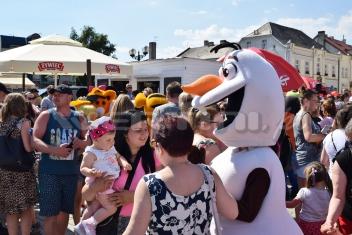 Bałwan Olaf maskotka na dzień dziecka