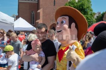 Chudy z Toy Story na imprezie dla dzieci