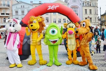Duże chodzące maskotki na Dniu Dziecka z Radiem Zet