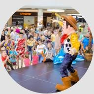 Chudy z Toy Story na evencie z okazji Dnia Dziecka