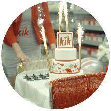 Tort z okazji urodzin sklepu KIK