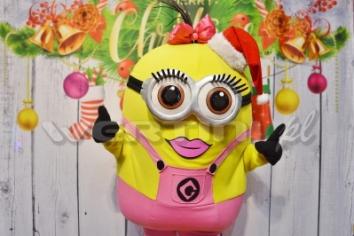 Minionek Lola, świąteczne żywe maskotki do wynajęcia