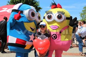 Żywe maskotki Minionki na imprezie dla dzieci