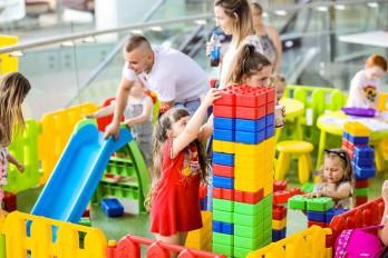 Mobilny plac zabaw dla dzieci