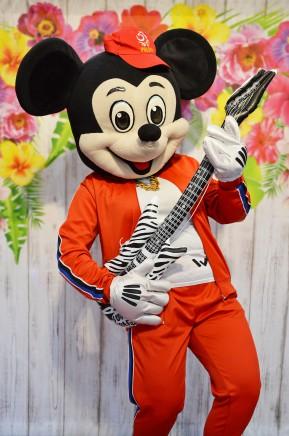 Myszka Miki disco, chodząca postać bajkowa