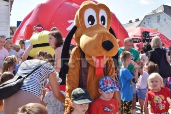 Pies Pluto bajkowa chodząca maskotka dolnośląskie, opolskie, śląskie, łódzkie