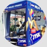 Samochód wystawowy z aranżacją salonu od JYSK