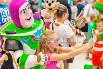 Buzz Astral na evencie z okazji Dnia Dziecka