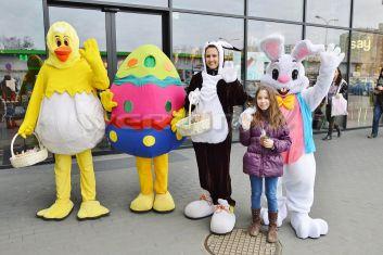 Wielkanocne chodzące postacie bajkowe, Kurczak, Pisanka, Zajączek