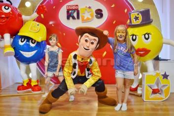 Kowboj Chudy na imprezce dla dzieci