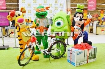 Żółw Ninja na akcji promocyjnej w galerii handlowej