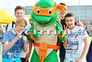 Żółw Ninja, żywa maskotka na imprezie plenerowej