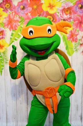 Żółw Ninja, chodząca postać bajkowa