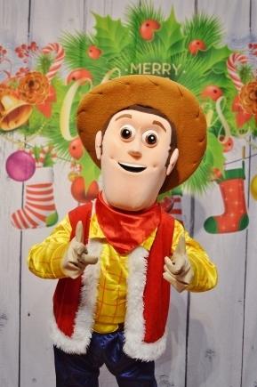 Kowboj Chudy, wypożyczalnia wielkich żywych maskotek