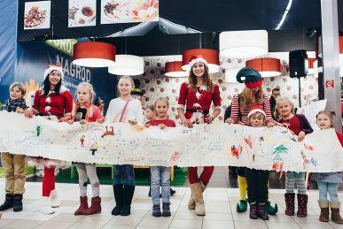 Animatorka Śnieżynka podczas Mikołajek dla dzieci