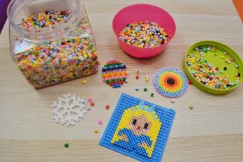 Koraliki prasowane jako kreatywne warsztaty dla dzieci