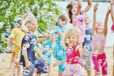 Bańki mydlane na Majówce dla dzieci