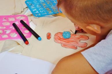 Warsztaty dla dzieci z malowania toreb ekologicznych